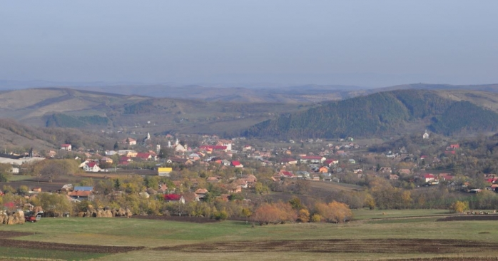 Preotul dintr-un sat din județul Cluj a ținut slujbe și i-a îmbolnăvit pe oameni