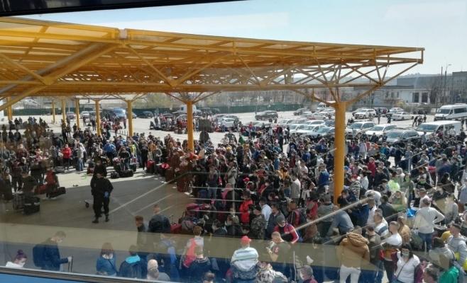 Comună din Suceava, supravegheată cu drona, după ce zeci de localnici au venit ilegal pe Aeroportul Cluj