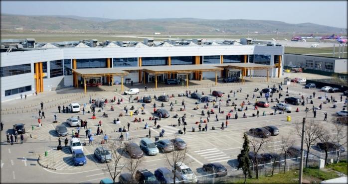 Dosar penal pentru o femeie din Suceava, depistată pe Aeroportul Cluj. Cum a încercat să păcălească autoritățile