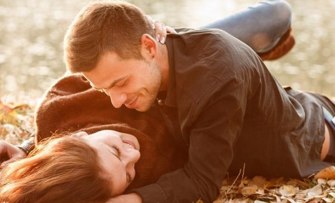 Este sigur sexul în carantină ? Prima ţară care recomandă acest lucru, inclusiv cu amanţii