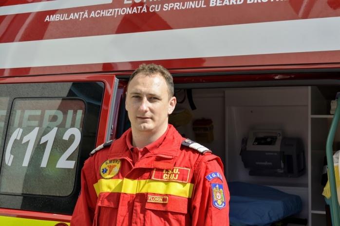 """EI, CEI DIN LINIA ÎNTÂI. Florin Sabo, pompier: """"Aș minți dacă aș zice că nu mi-e frică"""""""