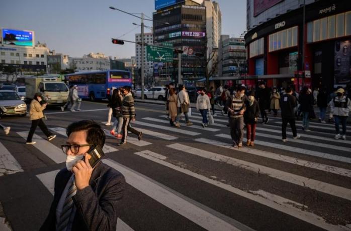 Ţara care a învins coronavirusul! Cafenele pline, oameni pe străzi şi o industrie de neoprit