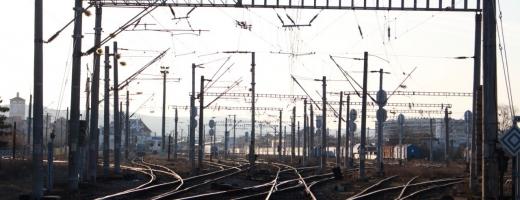 Noroc cu Imperiul Austro-Ungar! Avem 10.700 km de linie ferată, puțin peste o treime electrificată, sursă foto: Raymond FÜSTÖS/monitorulcj.ro