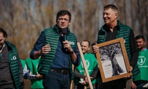 La evenimentul din 6 martie a participat și președintele Iohannis. Ministrul Costel Alexe (stânga) a folosit bugetul ministerului pentru o acțiune de imagine a PNL