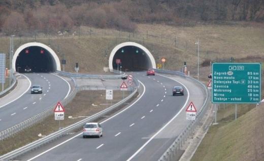 O soluție mult așteptată va fi implementată pe o autostradă din țară. Cum riscă România să piardă toată finanțarea europeană din cauza întârzierilor masive?