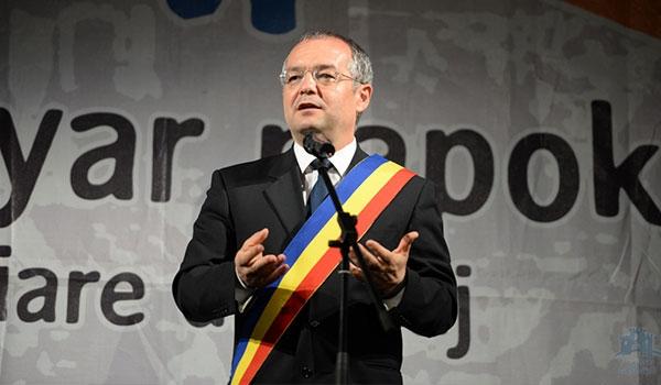"""Emil Boc, cu Constituția în mână: """"Autonomia Ținutului Secuiesc, un atac la statul național unitar!"""""""