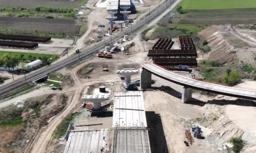 """Autostrada Sebeș-Turda, """"60% gata în 2020"""". Conducerea CNAIR recunoaște adevărul din teren: """"Nu au cum să termine!"""", sursă foto: captură video Ziarul Unirea"""