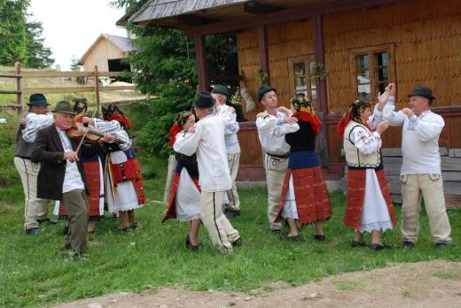 Tradițiile și folclorul zonei de munte din Cluj, valorificate într-un amplu proiect de cercetare, sursă foto: CJ Cluj