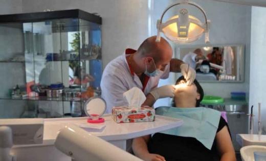 Medicii stomatologi își deschid iar cabinetele! Care sunt regulile pentru dentiști și pacienți?