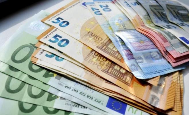 ANALIZA VALUTARĂ. Euro la minimum ultimelor două luni