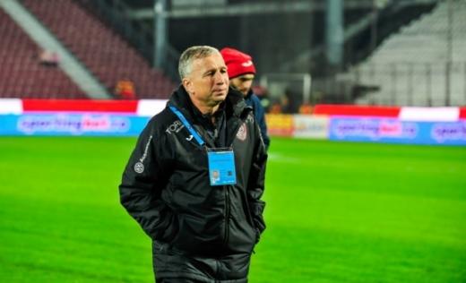 Pandemia nu l-a oprit pe Petrescu. Care este programul zilnic de lucru al antrenorului de la CFR Cluj?