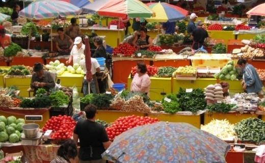 Pandemia a ridicat prețurile, în aprilie. Cele mai mari scumpiri, la cartofi. La polul opus sunt ouăle și combustibilii