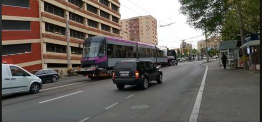 VIDEO. Încă un nou tramvai a sosit la Cluj. În total 11 vor circula până la sfârșitul anului prin oraș