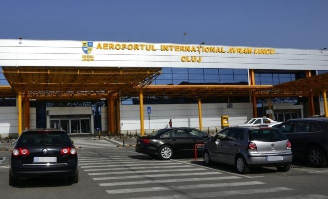 PREMIERĂ NAȚIONALĂ! Aeroportul din Cluj este primul din țară unde parcarea se poate plăti cu ajutorul unei aplicații