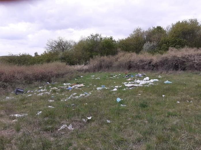 Nu doar Floreștiul este plin de gunoaie. Și în Baciu sunt aceleași probleme – FOTO