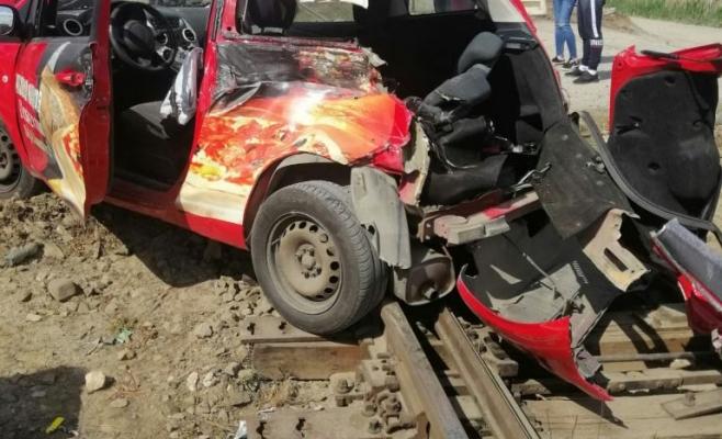 ACCIDENT Feroviar grav! Un tânăr de 21 de ani a trecut pe roşu