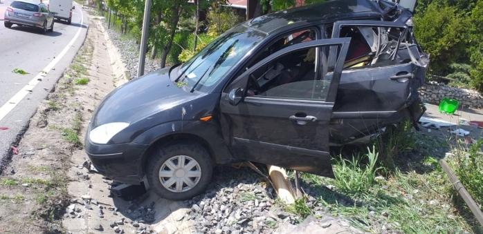 FOTO. Accident grav în Tureni. Două persoane au ajuns la spital