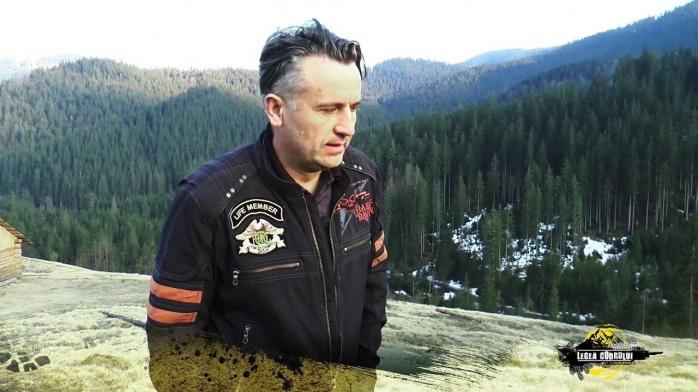 Activist de mediu susține că a fost ATACAT CU TOPOARE de un consilier al Gărzii Forestiere