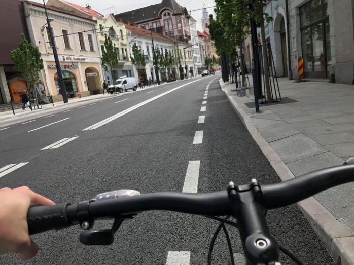 biciclistii-se-inghesuie-pe-pista-ingusta-de-pe-regele-ferdinand-nu-asta-e-vestea-proasta, sursă foto: Facebook Adrian Dohotaru