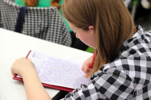 Elevii clujeni s-au SĂTURAT de teme!  Vor ca profesorii să fie mai înțelegători în timp de pandemie