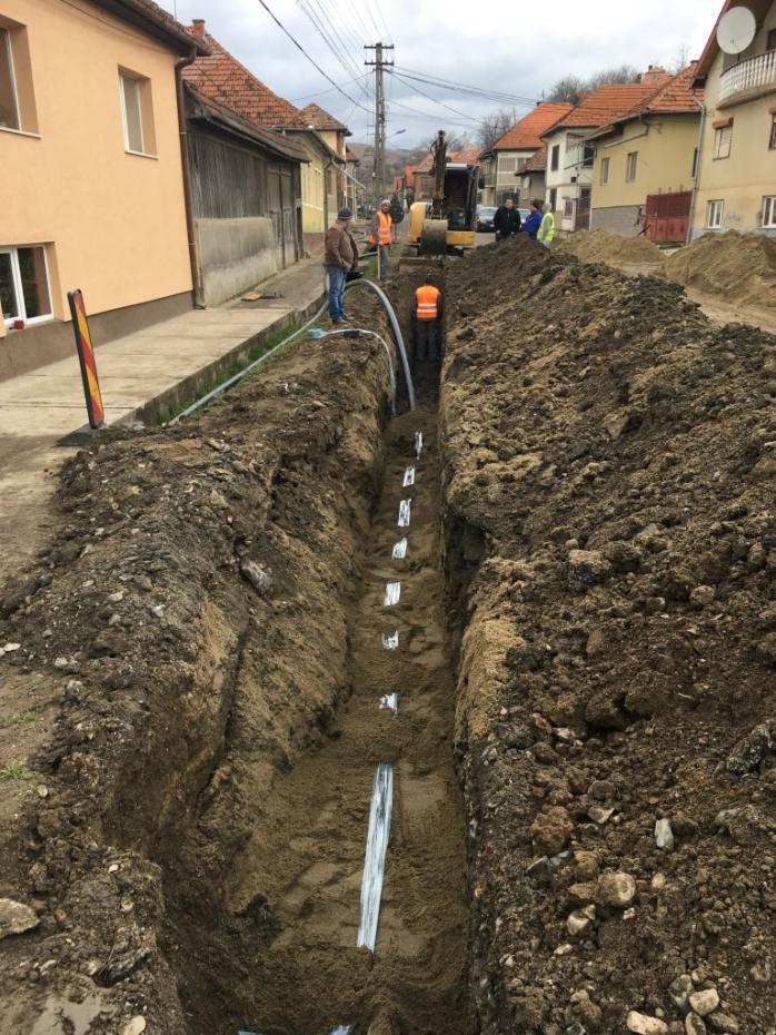 Încep lucrările la canalizare și rețeaua de apă pentru locuitorii din Huedin și alte localități