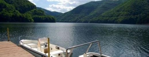 """Lacul Tarnița rămâne """"raiul șmecherilor"""" și în 2020. Deputat clujean: """"Autoritățile sunt paralizate de frică, prefectul doarme"""""""