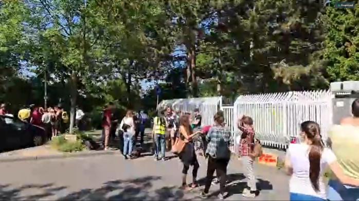 """Muncitorii români au protestat pe stradă, în Germania """"Scoateți-vă singuri sparanghelul din pământ!"""""""
