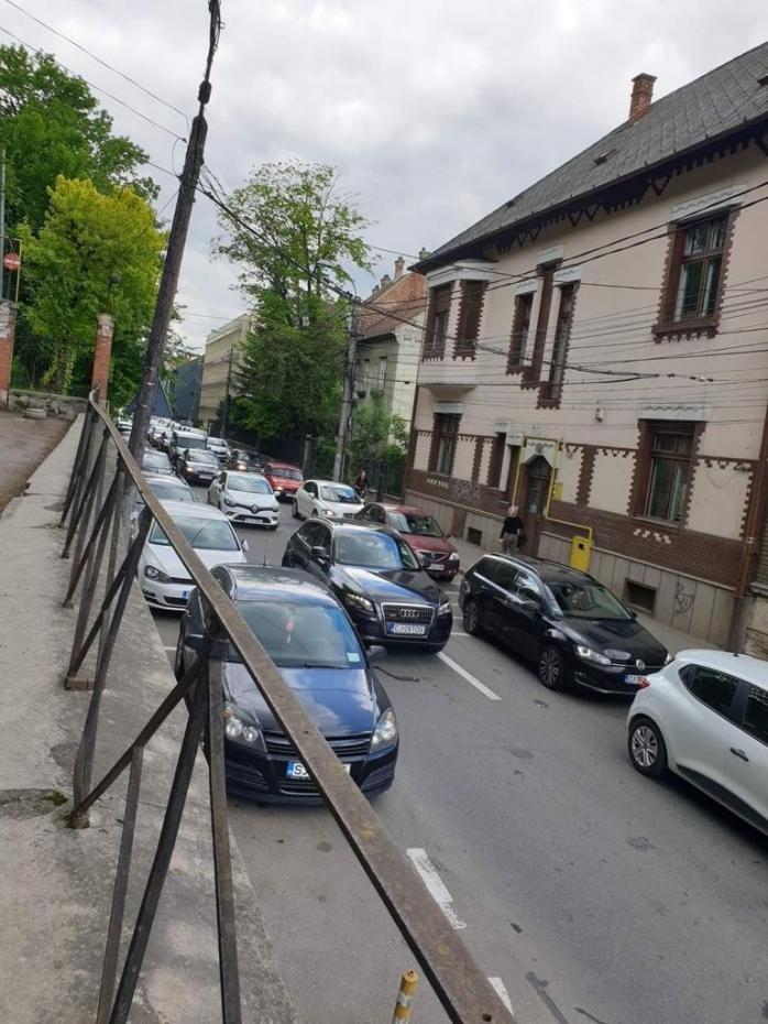 Relaxarea și lucrările de modernizare aglomerează Clujul