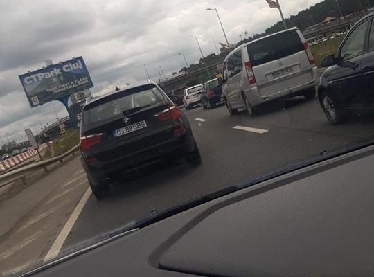 Lucrările de modernizare de pe Calea Florești îngreunează traficul. Coloana de mașini se întinde pe kilometri întregi
