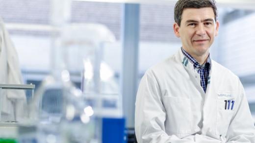 un-renumit-profesor-clujean-admite-testarea-mai-multor-vaccinuri-covid-19-in-faza-finala