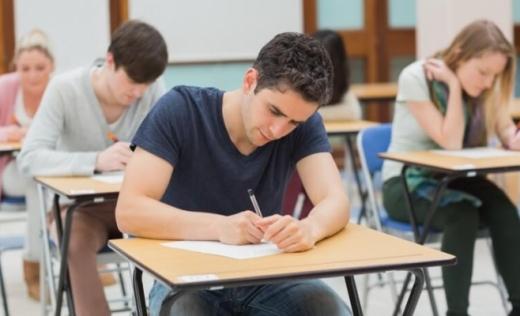 Elevii bolnavi sau aflați în izolare vor putea să susțină examenele în a doua sesiune