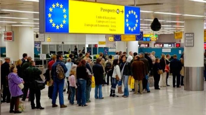Românii se întorc în valuri din străinătate
