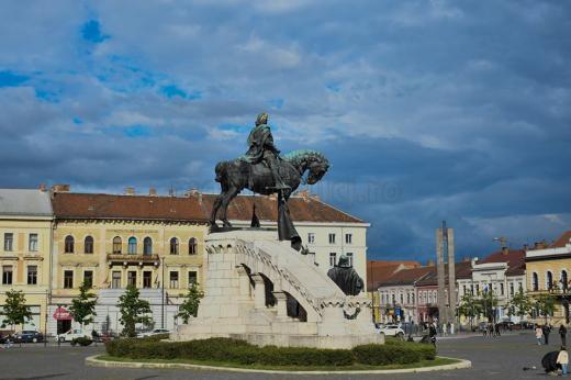 Statuia lui Matei Corvin din Piața Unirii. Foto: Paul Gheorgheci monitorulcj.ro