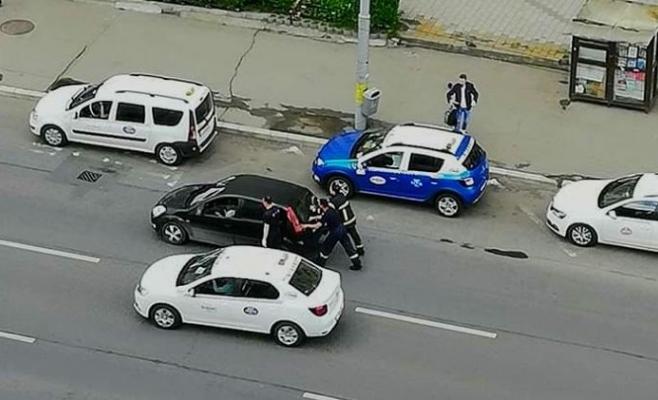 gentlemeni-veritabili-o-femeie-blocata-in-trafic-salvata-de-pompierii-intorsi-din-misiune, sursă foto: Facebook ISU Cluj