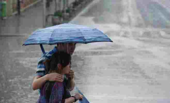 Vremea la Cluj. COD GALBEN de ploi torențiale și vijelii