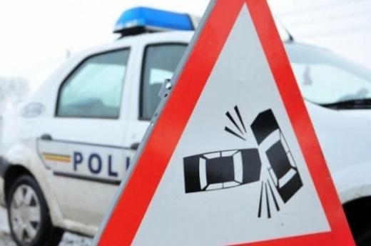 Un tânăr băut și fără permis de conducere a provocat un accident într-o localitate clujeană