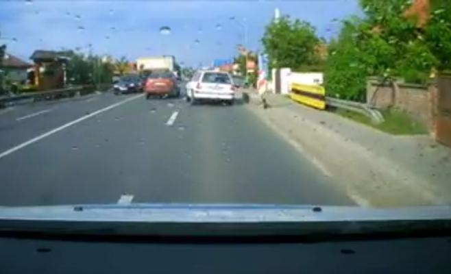 VIDEO. Accident spectaculos în Florești, suprins de o cameră de bord
