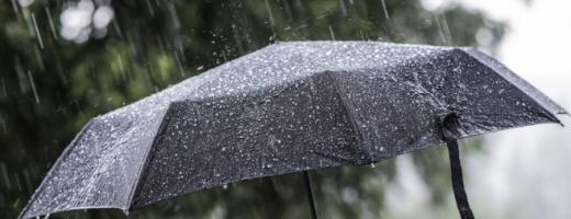 Ploi și vreme rea la sfârșitul săptămânii, în toată țara