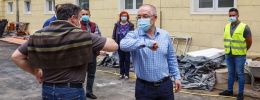 Emil Boc mască de protecție