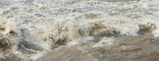 Risc crescut de inundații la Cluj. Hidrologii au emis COD PORTOCALIU