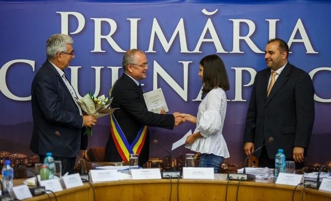 Elevii de 10 vor fi premiați de Primăria Cluj-Napoca cu câte 1.000 de lei