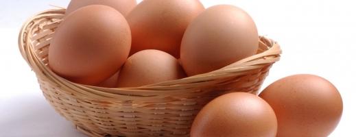 Ouă toxice. Cât timp rezistă ouăle crude sau fierte la frigider