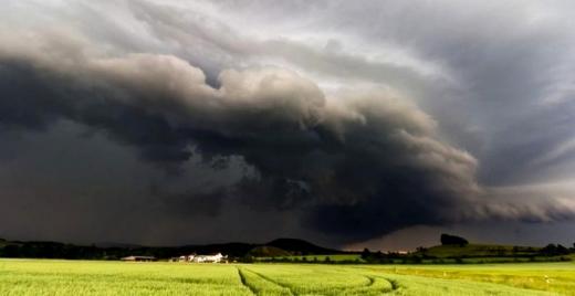 Cod GALBEN de vânt puternic și descărcări electrice pentru o parte din județul Cluj