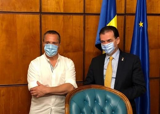 Actorul Claudiu Bleonț a anunțat pe pagina sa de Facebook că va candida la Primăria Beliș, o comună din județul Cluj, din partea Partidului Național Liberal.