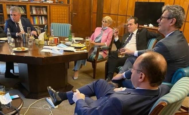 Un deputat clujean solicită liderilor PPE să-i pedepsească pe Ludovic Orban și Rareș Bogdan pentru chefurile din plină stare de alertă
