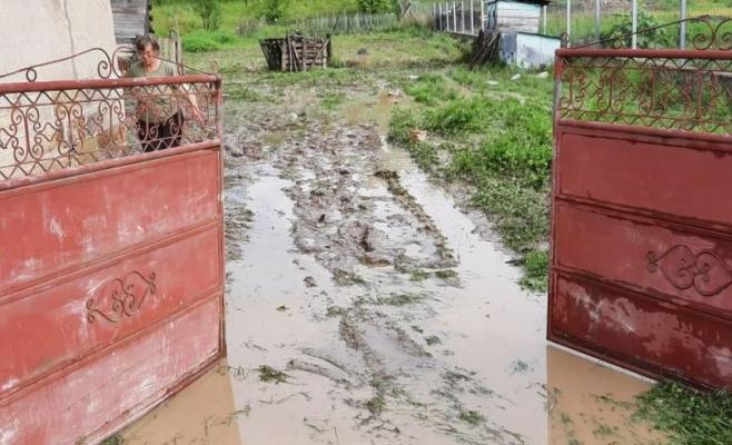 Familiile din Șomcutu Mic, afectate de inundații, vor primi 40.000 de lei
