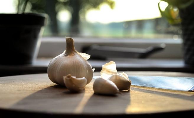 Adevărul neștiut despre usturoi. Ce greșeală fac românii când mănânca usturoi