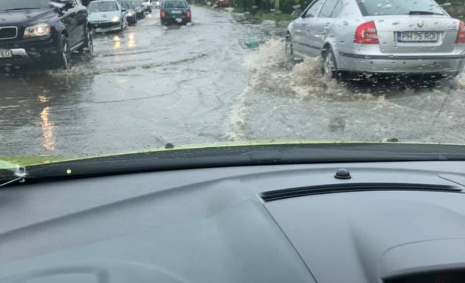 Strada Corneliu Coposu, inundație/ Foto: Facebook Info Trafic jud Cluj