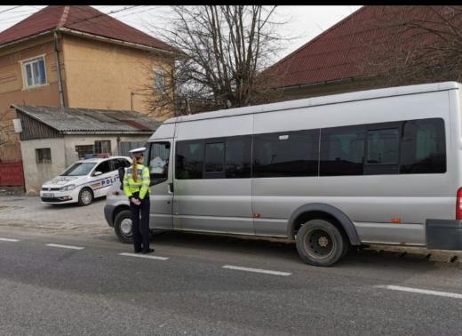 Transportatorii de persoane, trași pe dreapta de polițiștii cluejni. Zeci de amenzi au fost aplicate