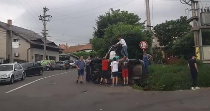 Un șofer clujean, DROGAT, a provocat un accident în Reghin